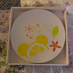 Mickey Mouse lemon & fruit plates NWT never opend